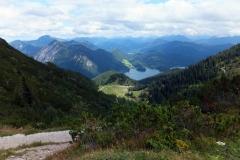 Blick vom Herzogstand auf den Walchensee und die Alpen