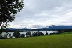 Blick auf die Alpen. Am Riegsee, in der Nähe von Murnau