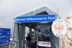Auf der Zugspitze. Willkommen in Tirol