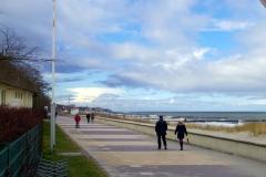 Strandpromenade in der Nebensaison
