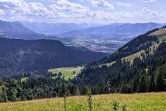 Aussicht von der Alpe Roßberg am Berg Grünten im Oberallgäu