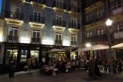 Speisen in der Altstadt von Porto